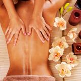 massagem com velas derretidas